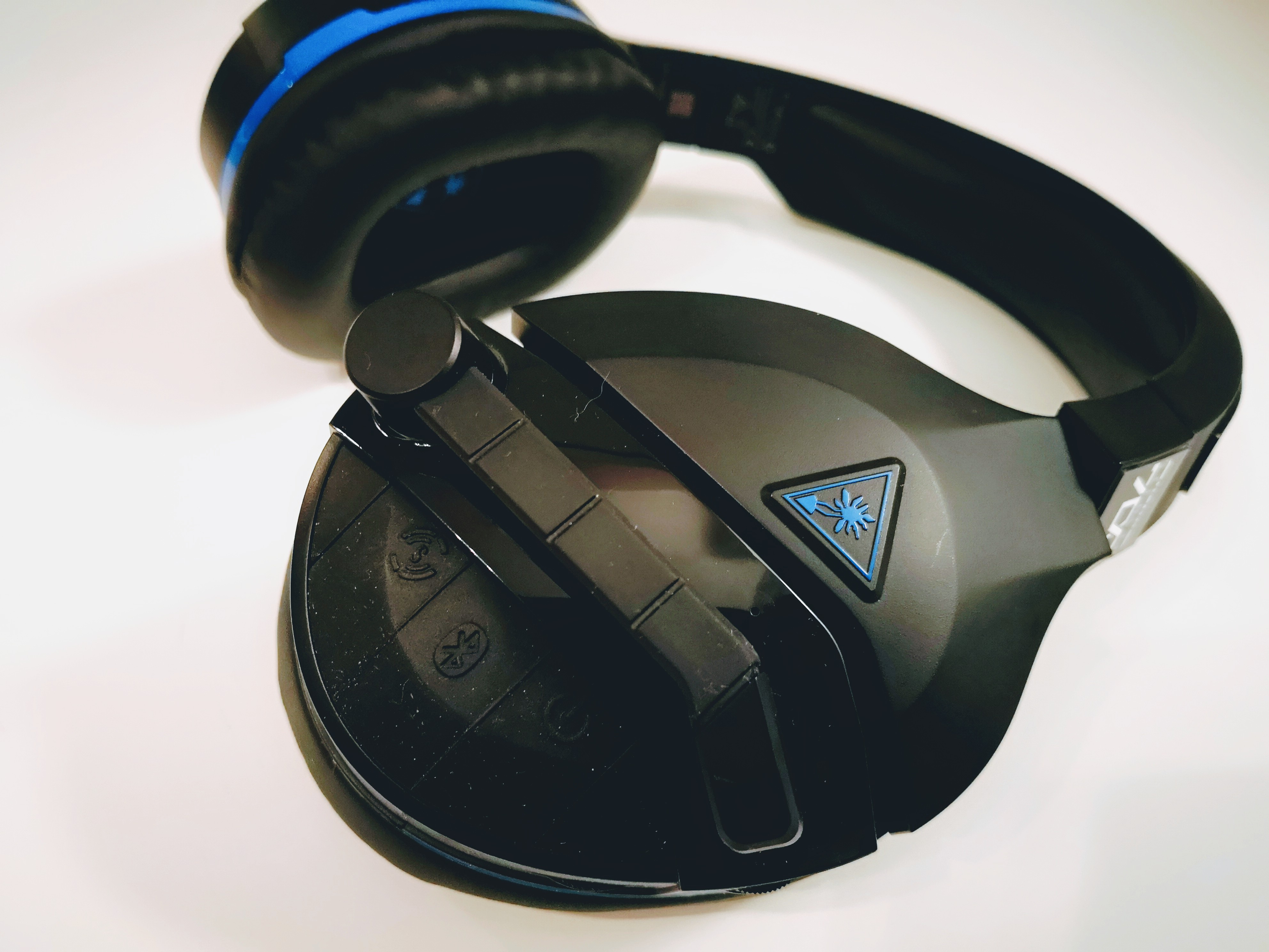 test du casque bluetooth turtle beach stealth 700 pour ps4. Black Bedroom Furniture Sets. Home Design Ideas