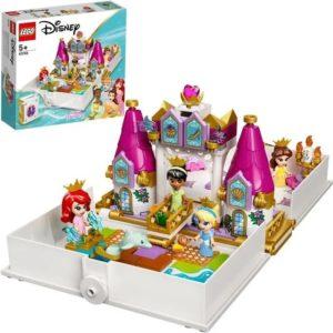 Les aventures d'Ariel, Belle, Cendrillon et Tiana dans un livre de contes